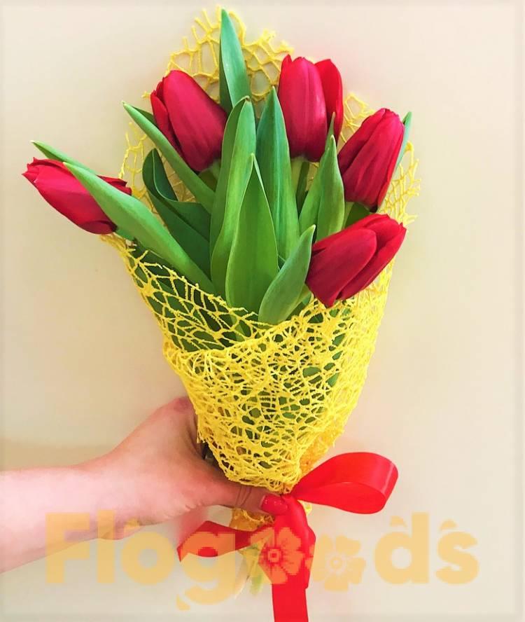 Букет с 5 тюльпанов